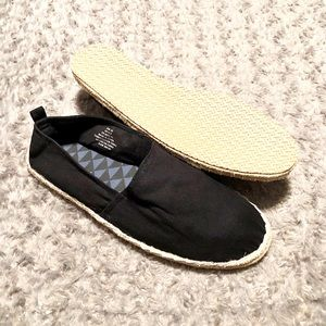 New! Men's H&M slip-ons paid $25 size 11.5